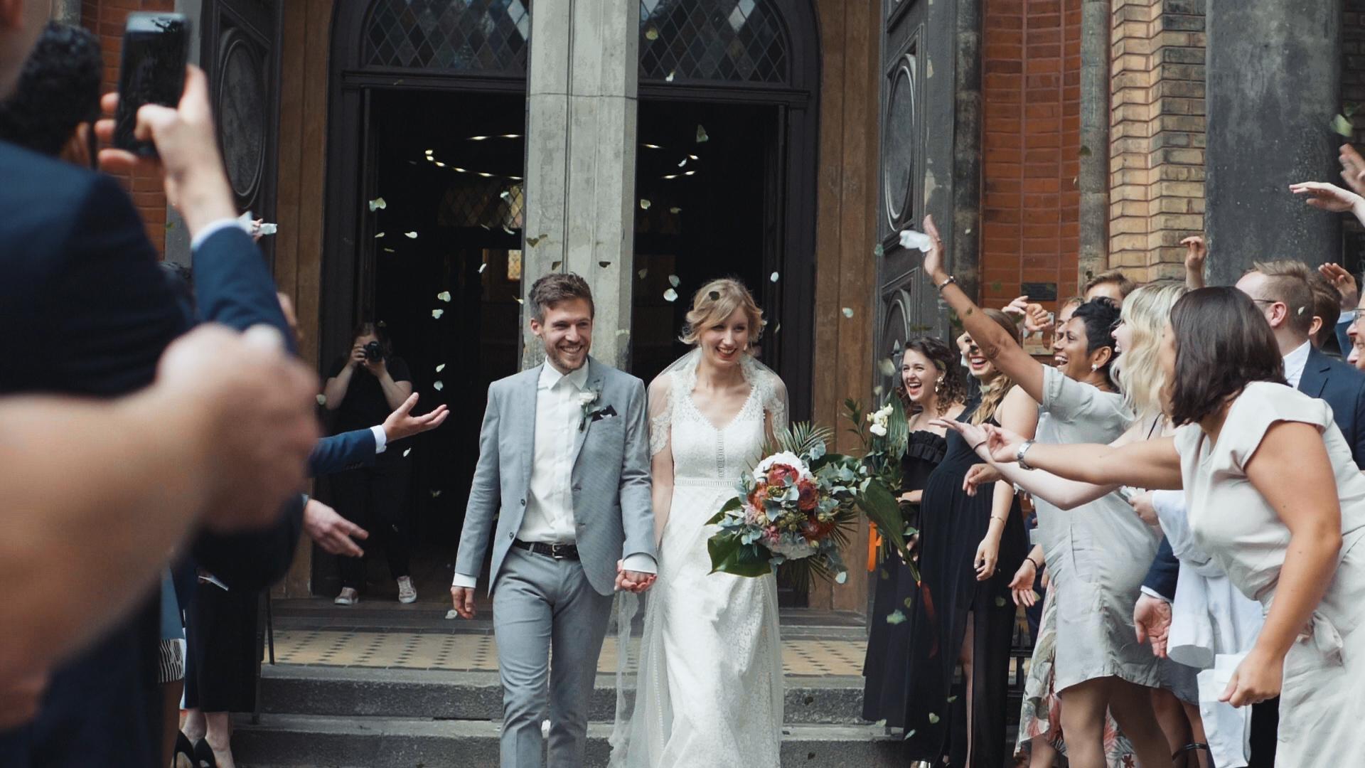 D&E-Wedding_Screens (5)