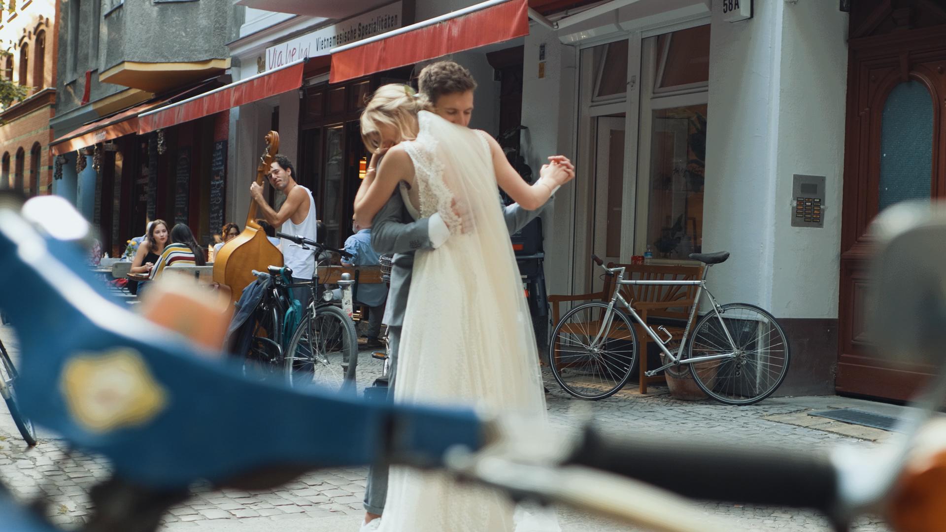 D&E-Wedding_Screens (8)